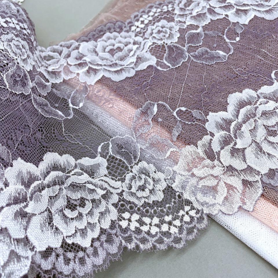 Эластичное кружево Э784 цвет лилово-серый с белыми цветами