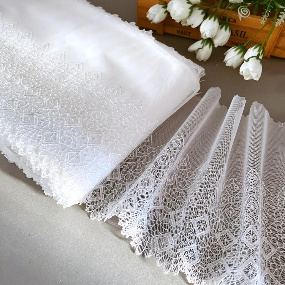 Вышивка на сетке В904 цвет белый