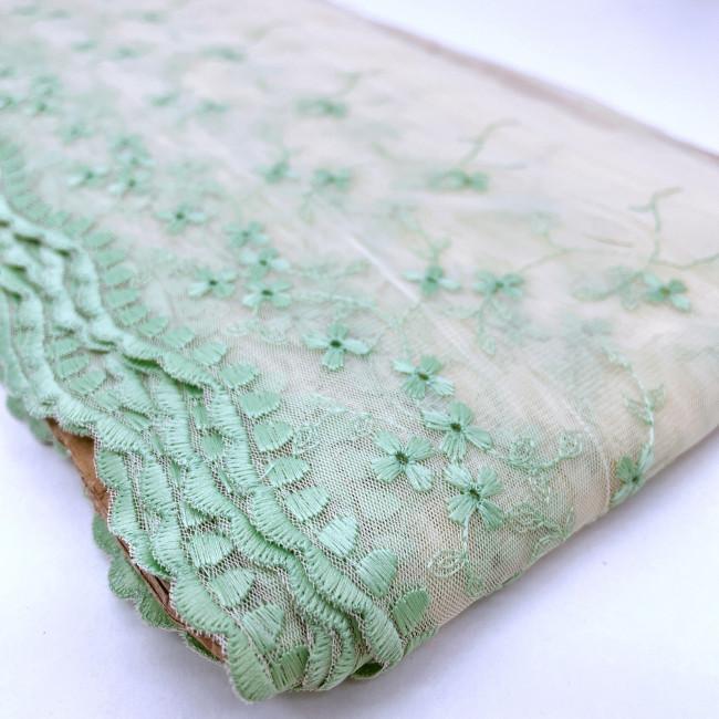 Вышивка на сетке В902 цвет песочный/мятный